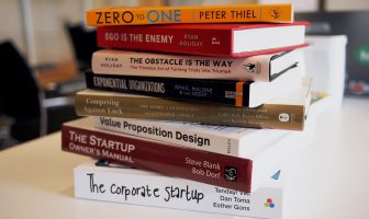 10 Essential Business Books for The Digital Age
